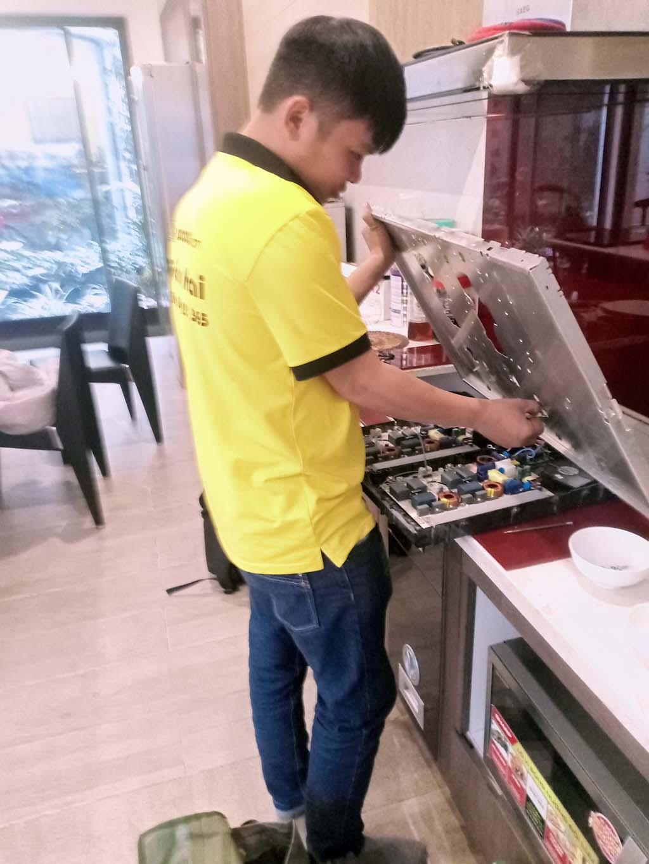 Dịch vụ bảo hành bếp từ Sunhouse tại nhà