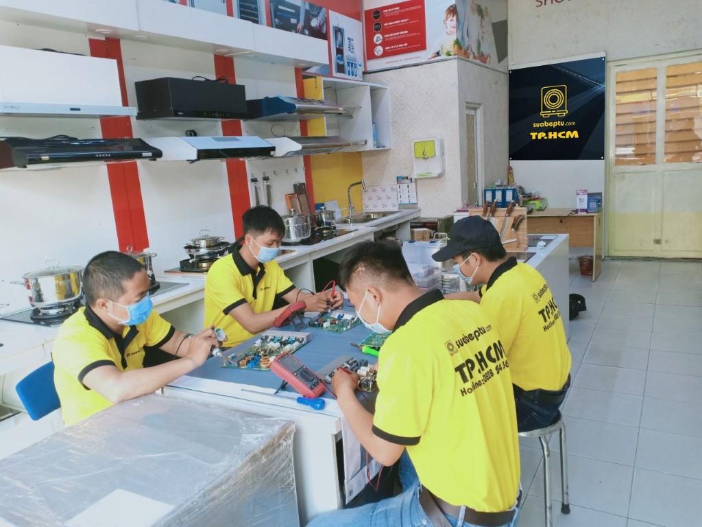Dịch vụ sửa bếp từ Sanaky tại TP. HCM
