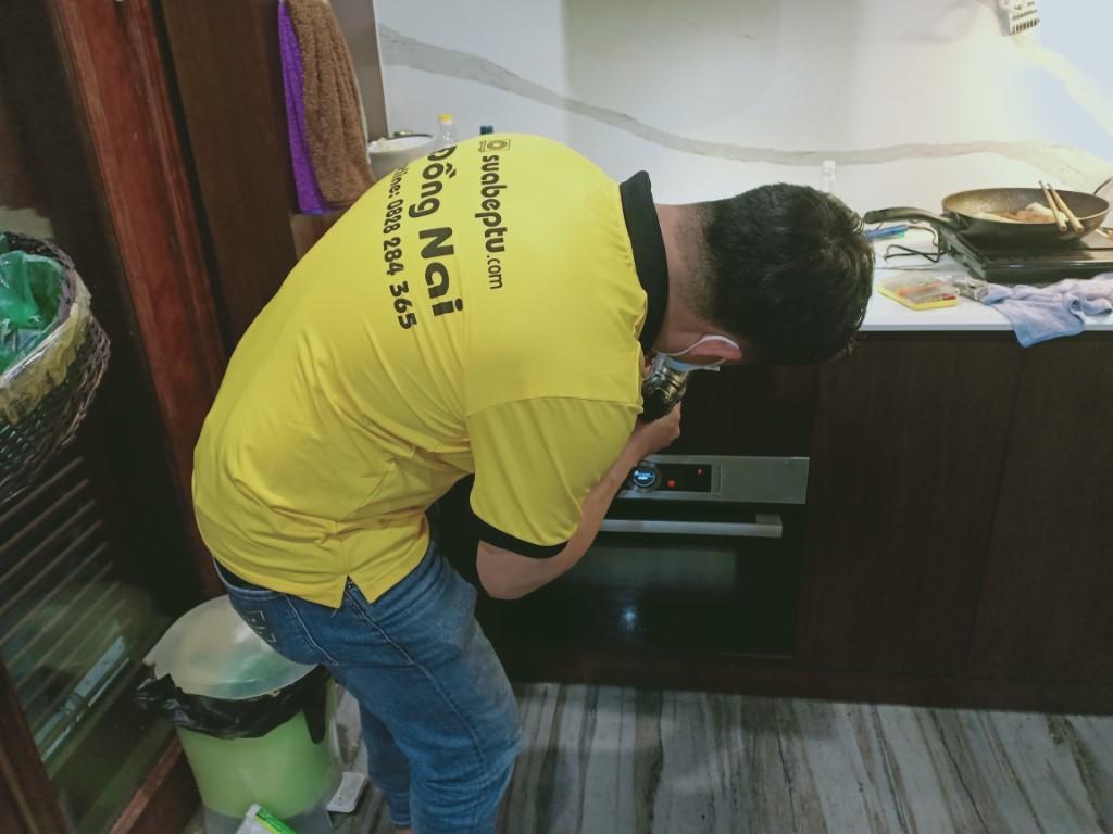 Dịch vụ bảo hành bếp hồng ngoại Taka