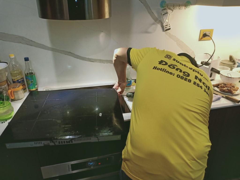Dịch vụ bảo hành bếp hồng ngoại Sanaky tại nhà