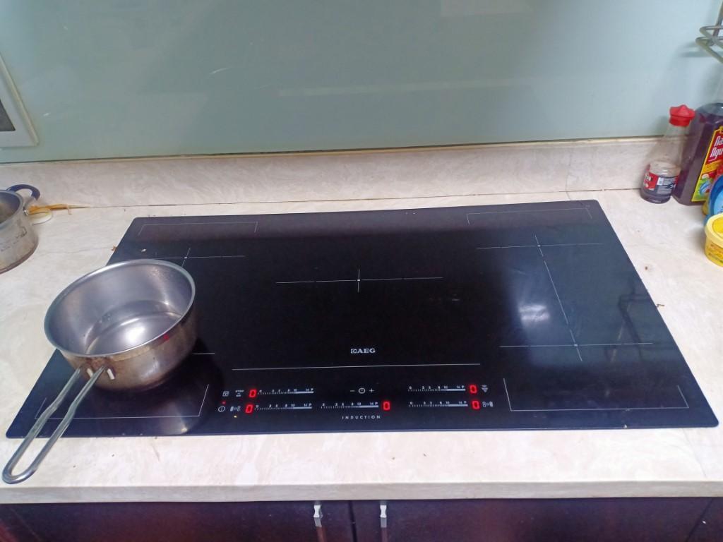 Dịch vụ sửa bếp từ Spelier lỗi E8