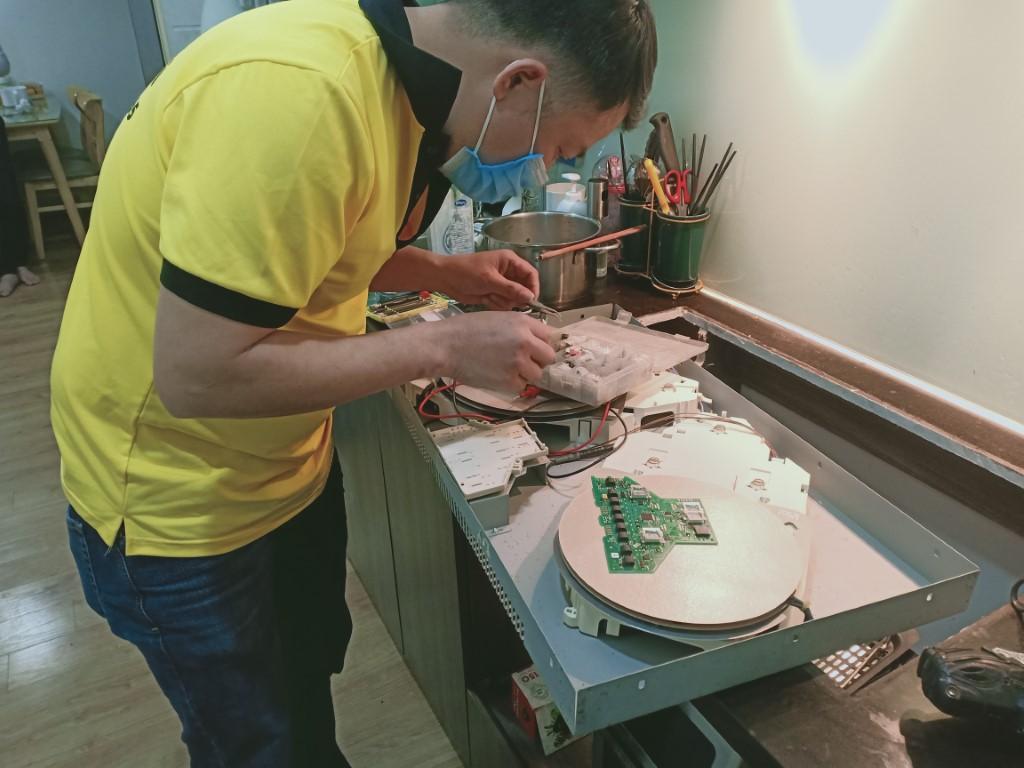 Hướng dẫn sửa bếp hồng ngoại Bomann bị chập điện