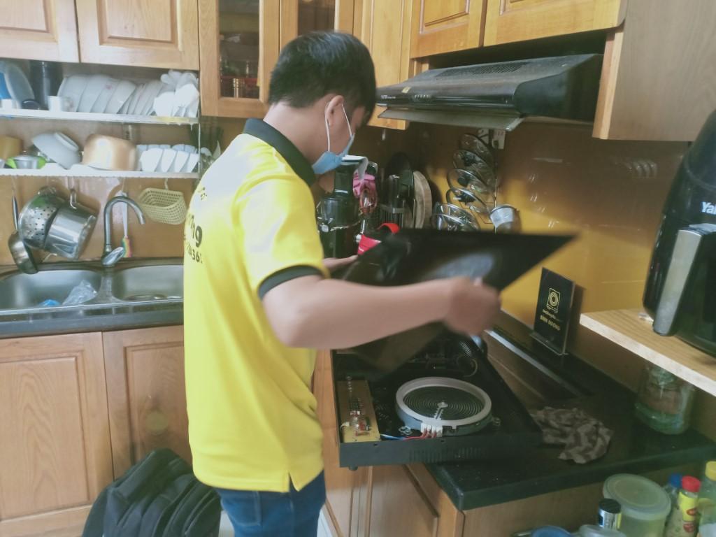 Hướng dẫn sửa bếp hồng ngoại Sanaky bị lỗi chập điện