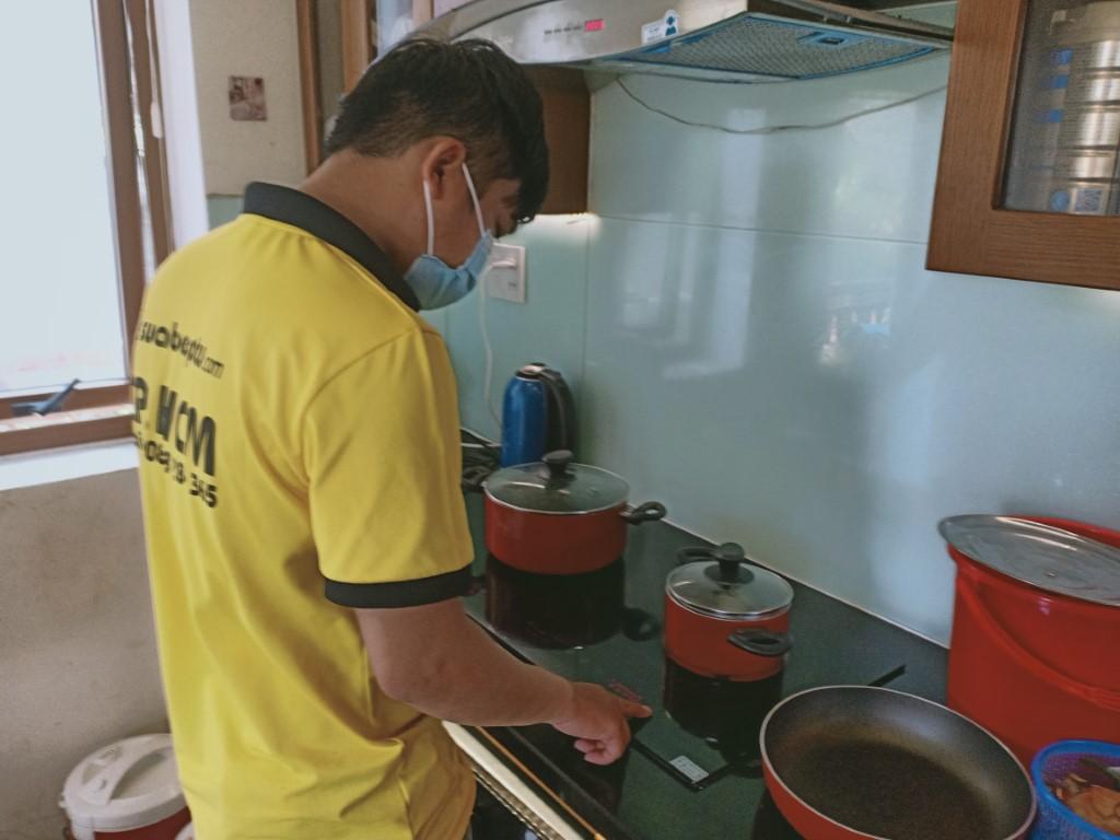Cách sửa bếp hồng ngoại Ichef bị lỗi chập điện tại nhà