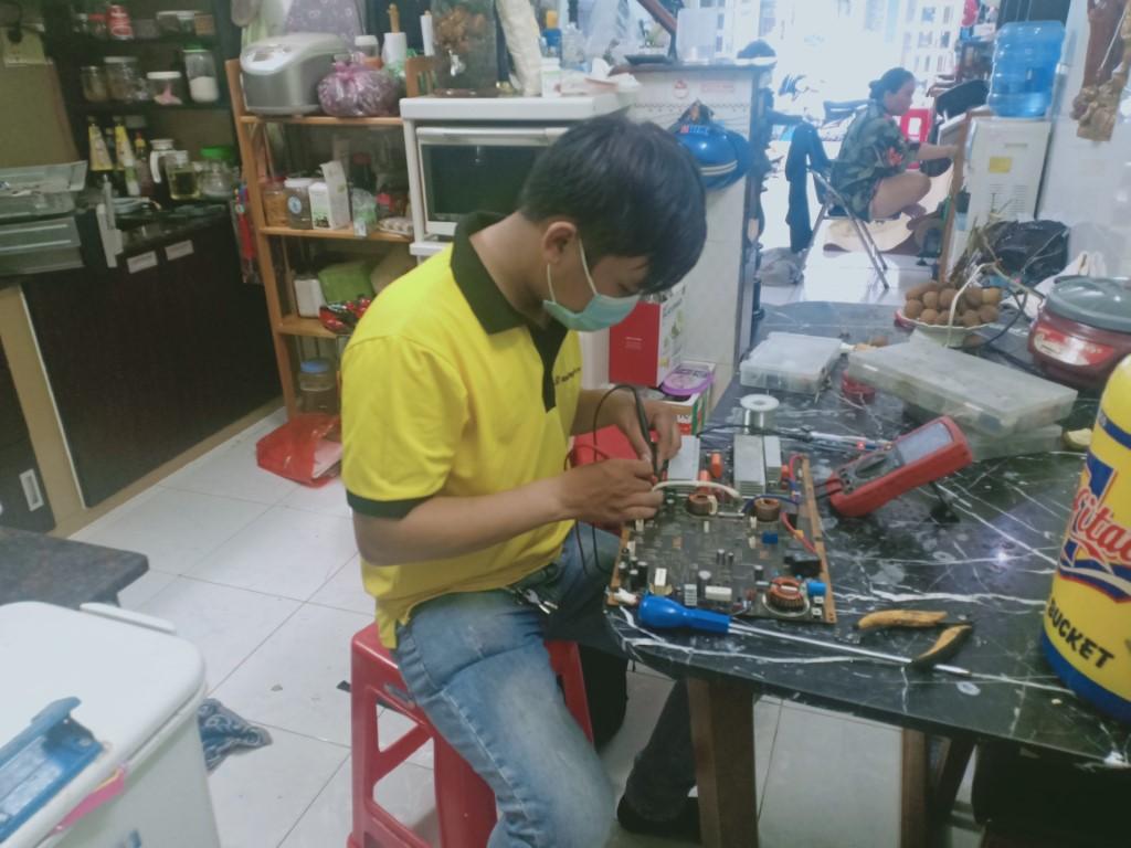 Hướng dẫn sửa bếp hồng ngoại Taka bị chập điện