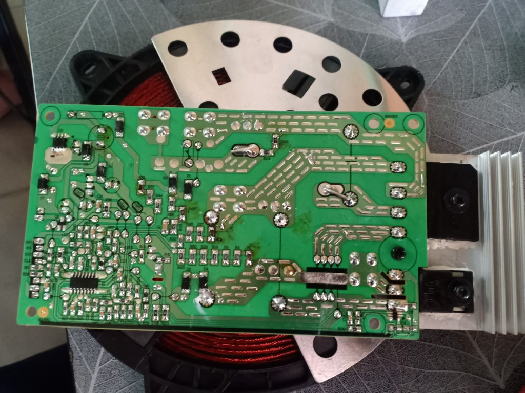 Sửa bếp hồng ngoại Wmf bị lỗi chập điện tại nhà