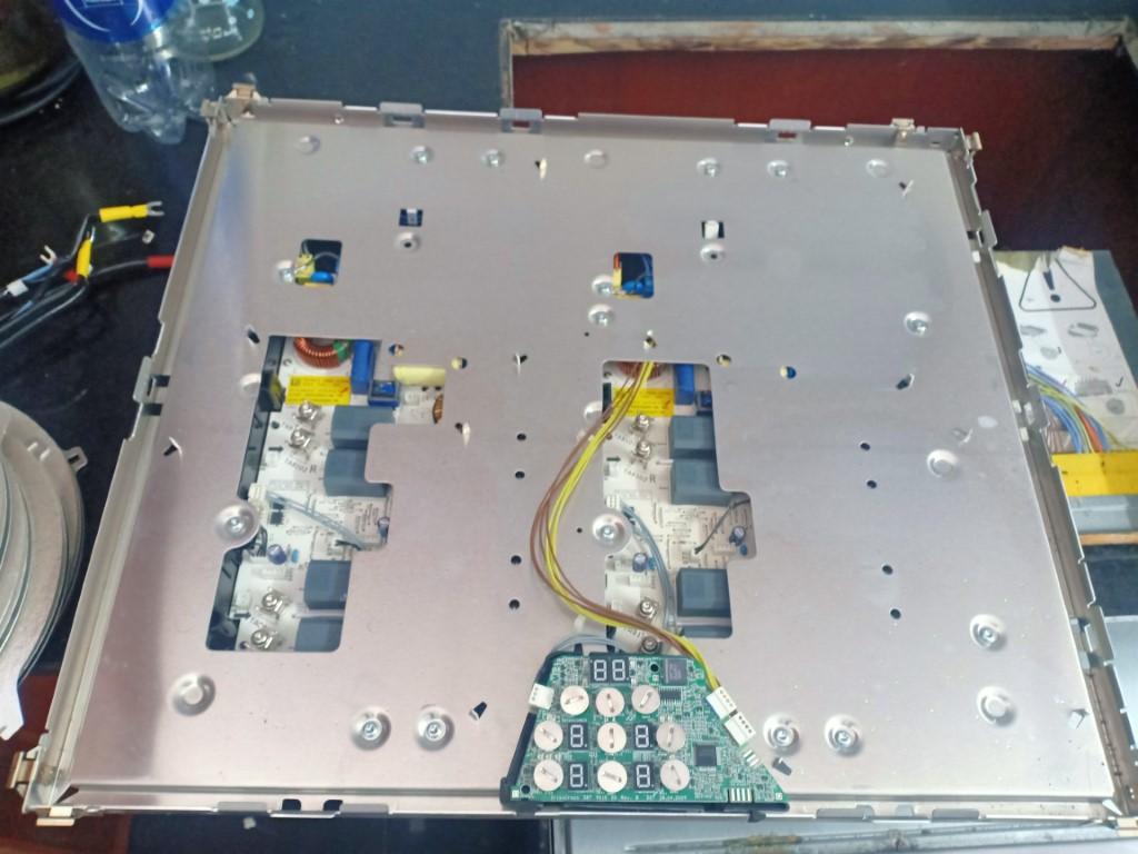 Sửa bếp hồng ngoại Bosch bị lỗi chập điện tại nhà