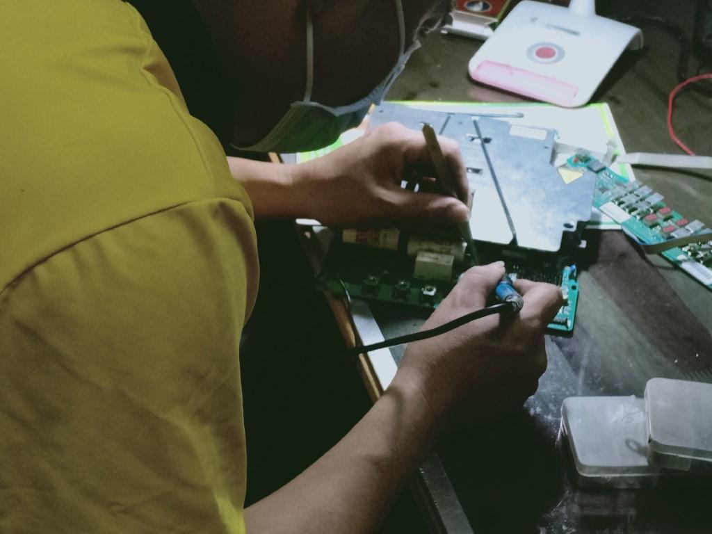Cách tự sửa bếp hồng ngoại Munchen bị lỗi chập điện tại nhà