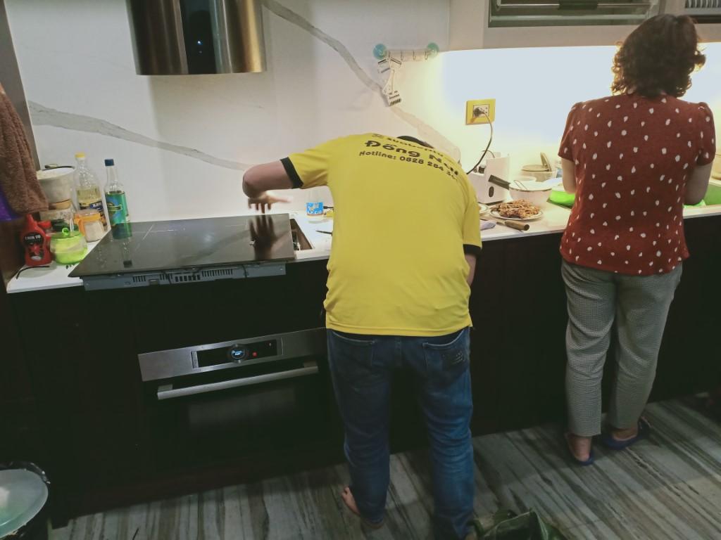 Sửa bếp hồng ngoại Bomann bị lỗi chập điện tại nhà
