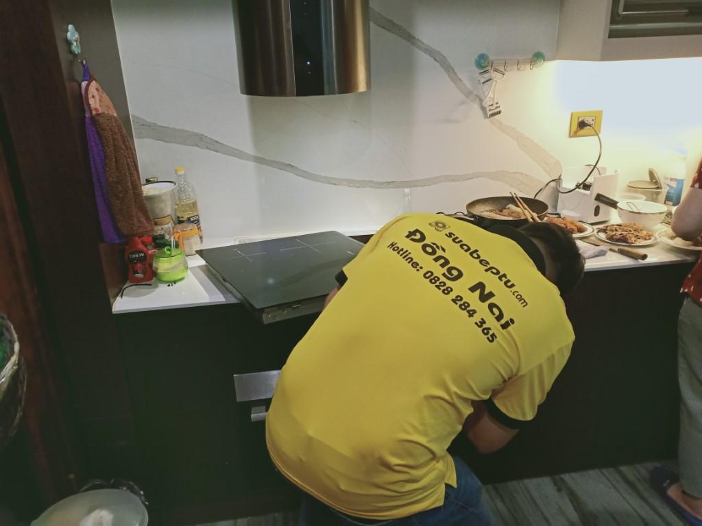 Hướng dẫn sửa bếp hồng ngoại Kanzler bị chập điện