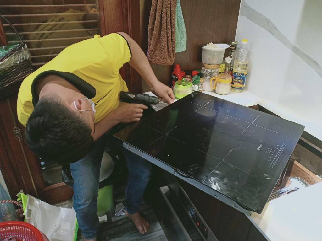 Cách sửa bếp hồng ngoại Munchen bị lỗi chập điện tại nhà