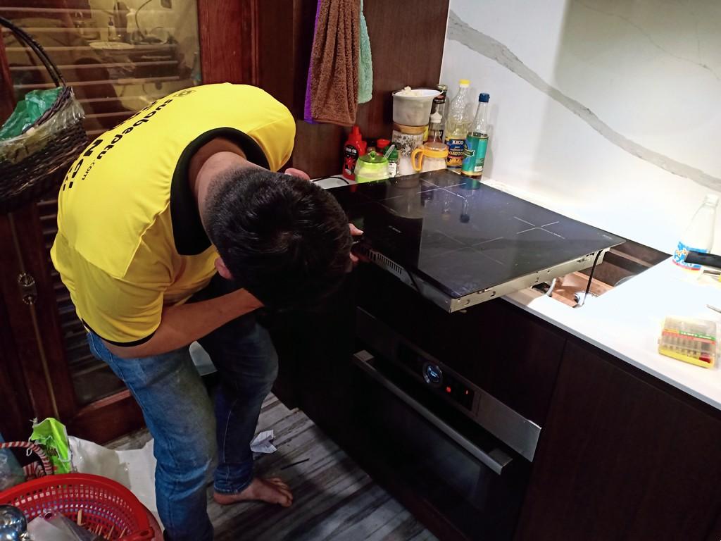 Dịch vụ bảo hành bếp từ AEG